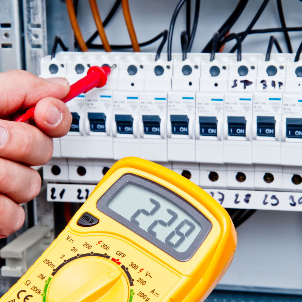 Wartung, Service- und Reparaturarbeiten von Elektroanlagen in und um Leizpig